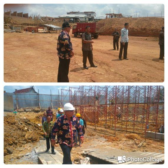 FOTO : Bupati Tanjabbar DR. Ir. H. Safrial, MS Meninjau Lokasi Pembangunan RSUD Merlung, Kamis (07/9/17)