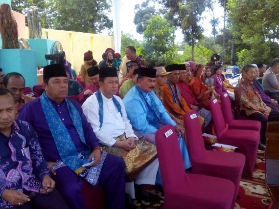 Wakil Bupati Tanjabbar Drs. H. Amir Sakib Saat Menghhadiri Pembukaan FPGNM di Taman Batu Kabupaten Merangin, Senin (11/9/17) .