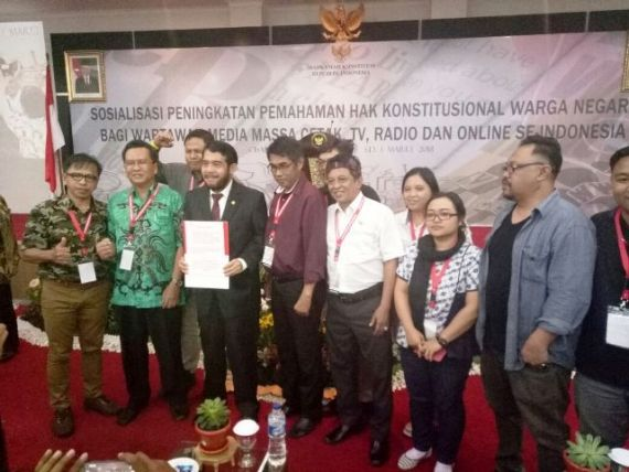 Perwakilan Jurnalis se-Indonesia Serahkan Pernyataan Sikap Tolak UU MD3 ke MK