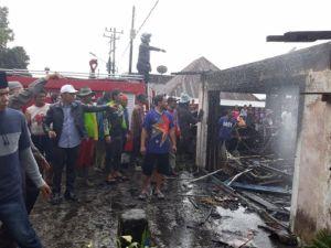 Kebakaran di Kersik Tuo, Zainal-Arsal Langsung Turun ke Lokasi