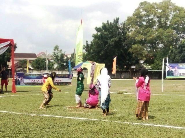 Aksi Olahraga tradisional Antu Raung dari Kabupaten Bungo