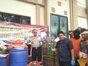 Jual Minuman Tidak Sesuai Standar dan Ketentuan, Ferry Azfra Hendra Ditangkap Polda Jambi