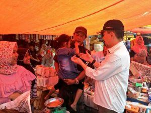 Adirozal Blusukan ke Pasar Bedeng Delapan, Warga Sampaikan Terima kasih.