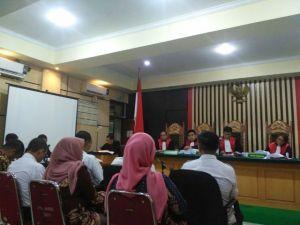 KPK Putar Rekaman CCTV dan Telepon di Sidang Supriyono