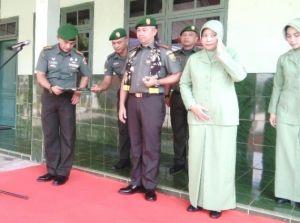 Kol Inf Refrizal Sambut Kedatangan Danrem 042 Gapu di Makorem Jambi