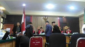Hakim Tanya Asal Uang Ketok Palu 2017, Zola: Tidak Tahu, Asumsi Saya dari Kontraktor
