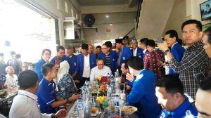 Tiba di Jambi, Zulkifli Hasan Langsung Sarapan di Jelutung