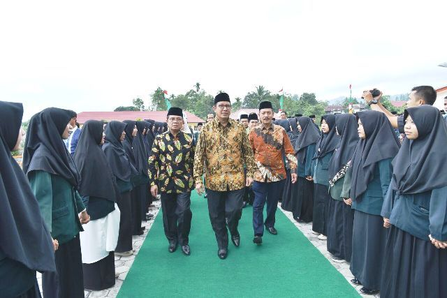 Menteri Agama RI Lukman Hakim Saipudin saat hadir resmikan Institut Agama Islam Negeri Kerinci