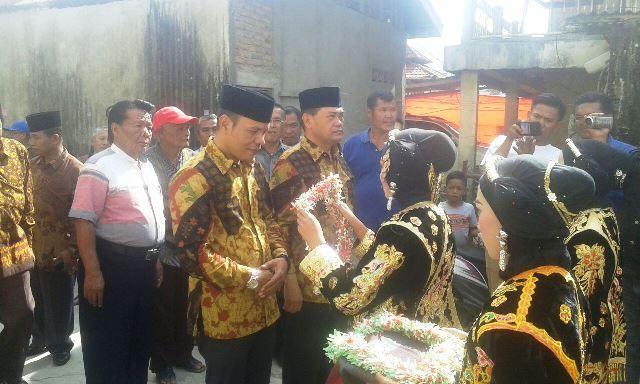 Zainal-Arsal disambut saat kampanye di Muaro Lolo