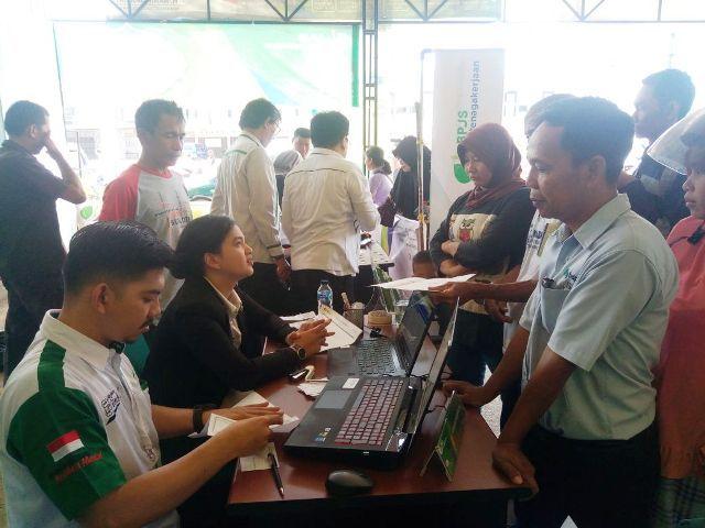 Masyarakat saat mendaftar kepesertaan BPJS  ketenagakerjaan Cabang Muara Bungo