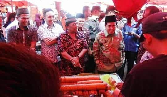 AJB saat membuka Pasar Ramadan Kota Sungai Penuh