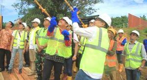 Pembangunan Dimulai...Tiang Pancang Duplikat Jembatan Batang Bungo Resmi Dipasang