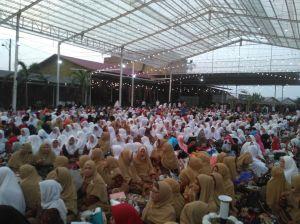 Dihadiri Ribuan Relawan Pemenangan, Fasha-Maulana Gelar Silaturahmi dan Buka Bersama