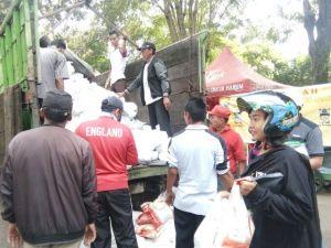 Bazar Murah Polda Jambi Dikerubuni Massa, Ini Harapan Warga Jambi