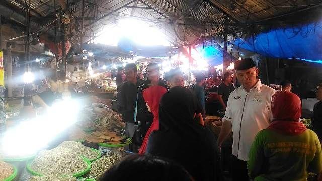 Fasha menyapa warga di Pasar Angso Duo