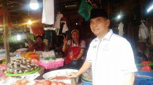 Sapa Pedagang dan Warga di Pasar Angso Duo, Fasha Juga Cek Harga Sembako