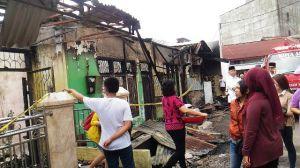 Api Sudah Padam, Pemilik Rumah 8 Bedeng di Budiman Mulai Kais Harta Benda yang Tersisa