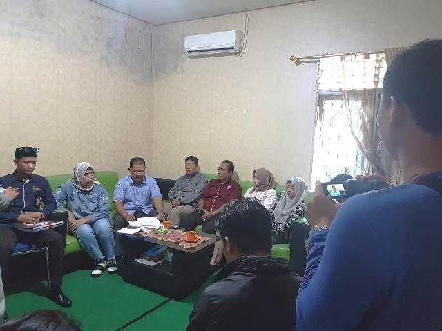 Tim Fasha-Maulana saat mendatangi Panwas Kota Jambi