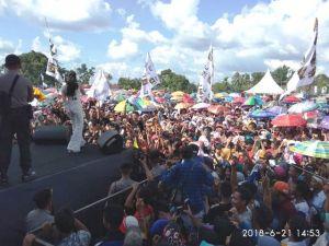 Puluhan Ribu Massa Teriak Ganti Bupati di kampanye Akbar Fajar