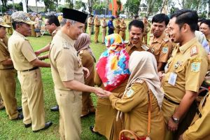 Hari Pertama Masuk Kerja Setelah Cuti,  Fasha Pimpin Apel Peningkatan Disiplin ASN
