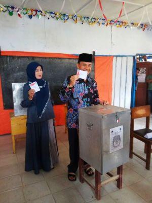 Gunakan Hak Suara di Koto Beringin, Adirozal: Kita Buktikan Bahwa Orang Kerinci Tak Suka Ribut