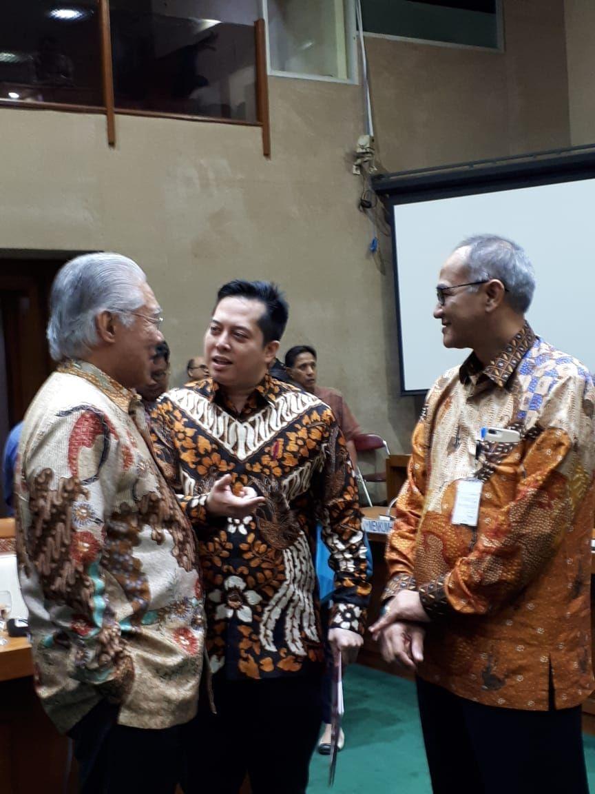 Ihsan berbincang usai RDP Direktur Jenderal Perdagangan Luar Negeri dan jajaran