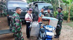 Pedagang Bakso Diserbu TNI