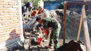 TNI Dan Warga Desa Bonomerto Membangun