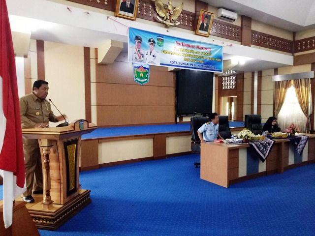 Zulhelmi saat menyambut Komisi I DPRD Provinsi Jambi