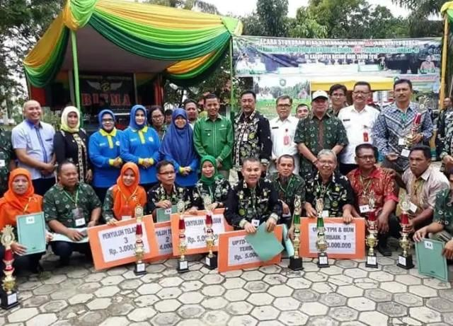 Wakil Bupati Bungo, H Safrudin Dwi Apriyanto berfoto bersama dengan kontingen
