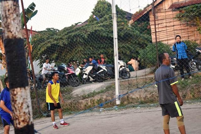 Sambut 17 Agustusan Bersama Warga Sakirin Pohan Gelar Pertandingan Bola Voli