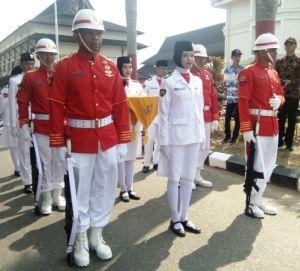 Ini Dia Pasukan Pengibar Bendera Merah Putih di Lapangan Kantor Gubernur Jambi