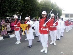 Penurunan Bendera Merah Putih Upacara HUT RI ke 73 di Kantor Gubernur Jambi Berjalan Sukses
