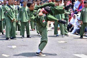 Aksi Pendekar Kota Jambi saat Pawai Pembangunan dalam Rangka HUT RI ke 73