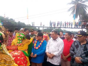 Bupati Bungo Dampingi Plt Gubernur Jambi Buka Lubuk Larangan Tepian Napal