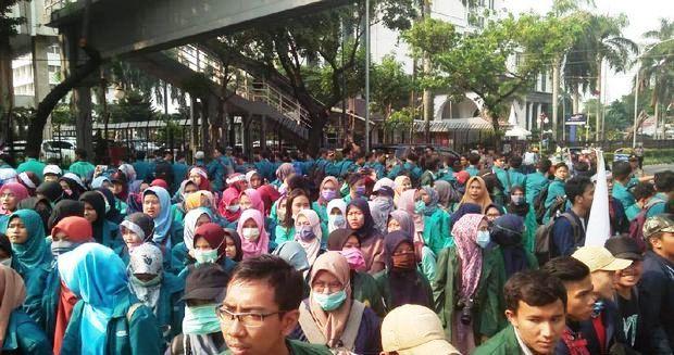 Suasana aksi mahasiswa