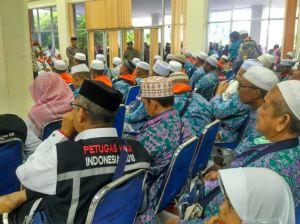 Sekda Batanghari Sambut Kepulangan Ratusan Jamaah Haji