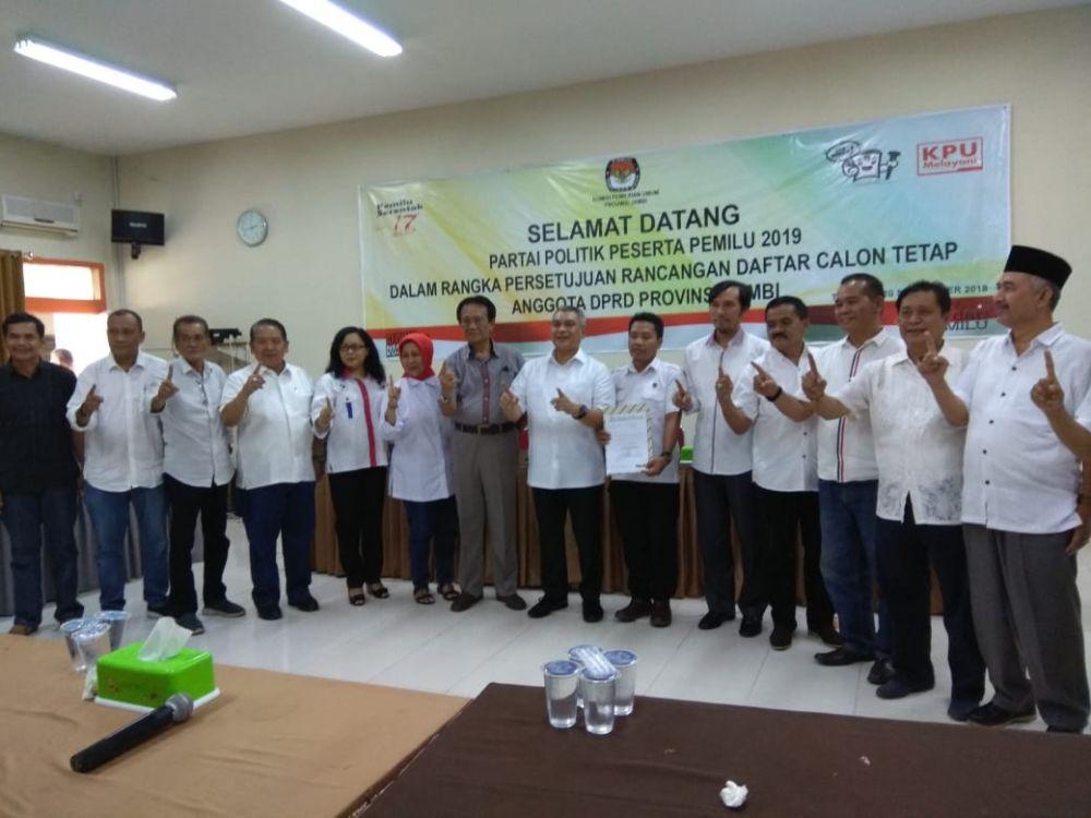 Kompak...Tim Kampanye Jokowi-Maruf Jambi Resmi Daftar ke KPU