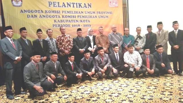 14 Komisioner KPU 7 Kabupaten Resmi Dilantik