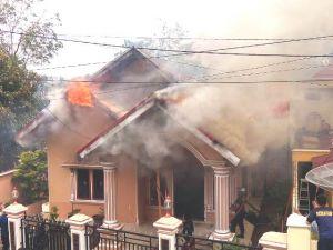 BREAKING NEWS: Satu Unit Rumah di Bungo Dilalap si Jago Merah