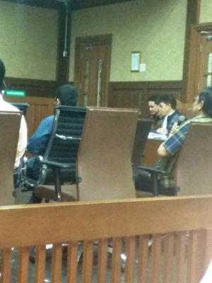 Adivarial Ngotot Tak Ada Uang Ketok Palu, Hakim: Bohong Anda