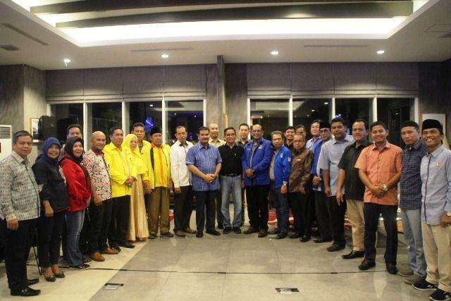 Foto bersama pimpinan parpol koalisi Prabow-Sandi