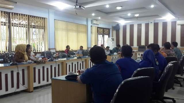 Suasana dengar pendapat di Komisi 3 DPRD Kota Jambi