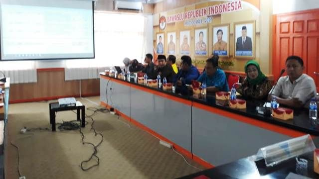 Suasana sosialisasi di Kantor Bawaslu Provinsi Jambi Senin (22/10/2018)