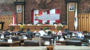 Sekda Apresiasi Pandangan Umum Fraksi Soal 2 Ranperda yang Diajukan Pemprov