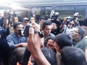 Jenazah Korban Lion Air Warga Jambi Tiba di Bandara Disambut Isak Tangis Keluarga