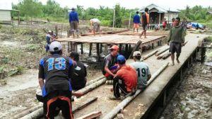 Warga Sungai Ayam Siapkan Panggung Malam Hiburan Bersama Satgas TMMD