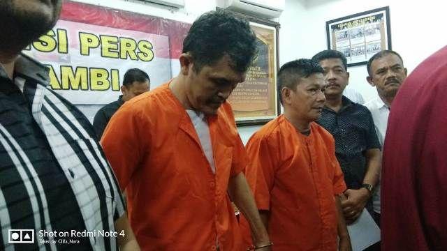 Dua tersangka yang berhasil ditangkap