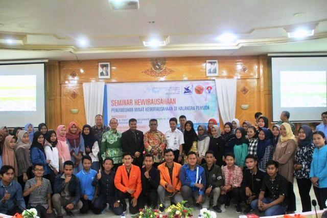 Foto bersama usai seminar
