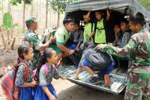 Dapat Tumpangan Pulang dan Pergi, Anak SD Juga Senang Ada TMMD
